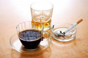 café tabaco y alcohol