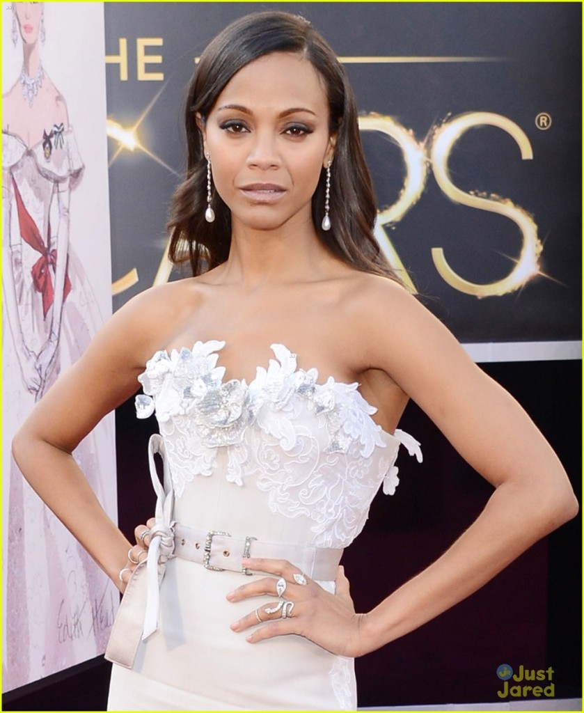 zoe-saldana-oscars-2013-red-carpet