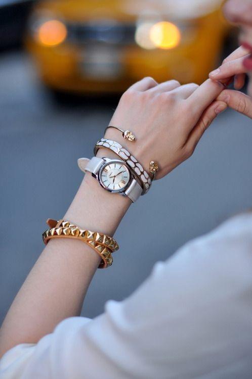 anillos y pulseras