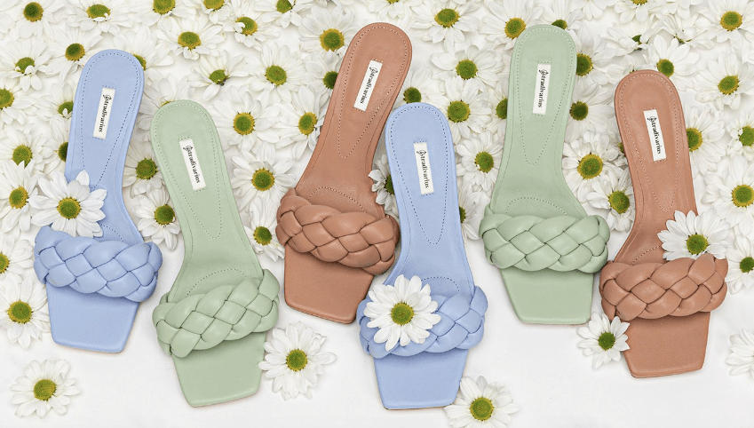 Sandalias acolchadas o sandalias trenzadas