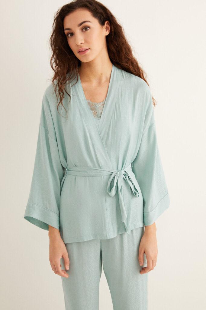 pijama con bata
